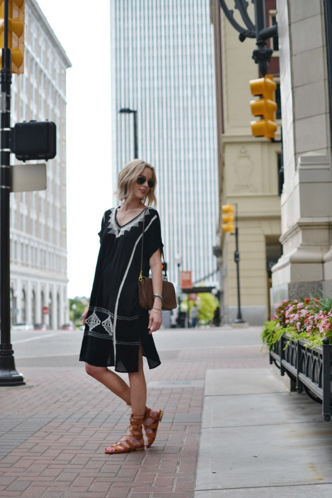 embroidered caftan dress, gladiator sandals, aviators