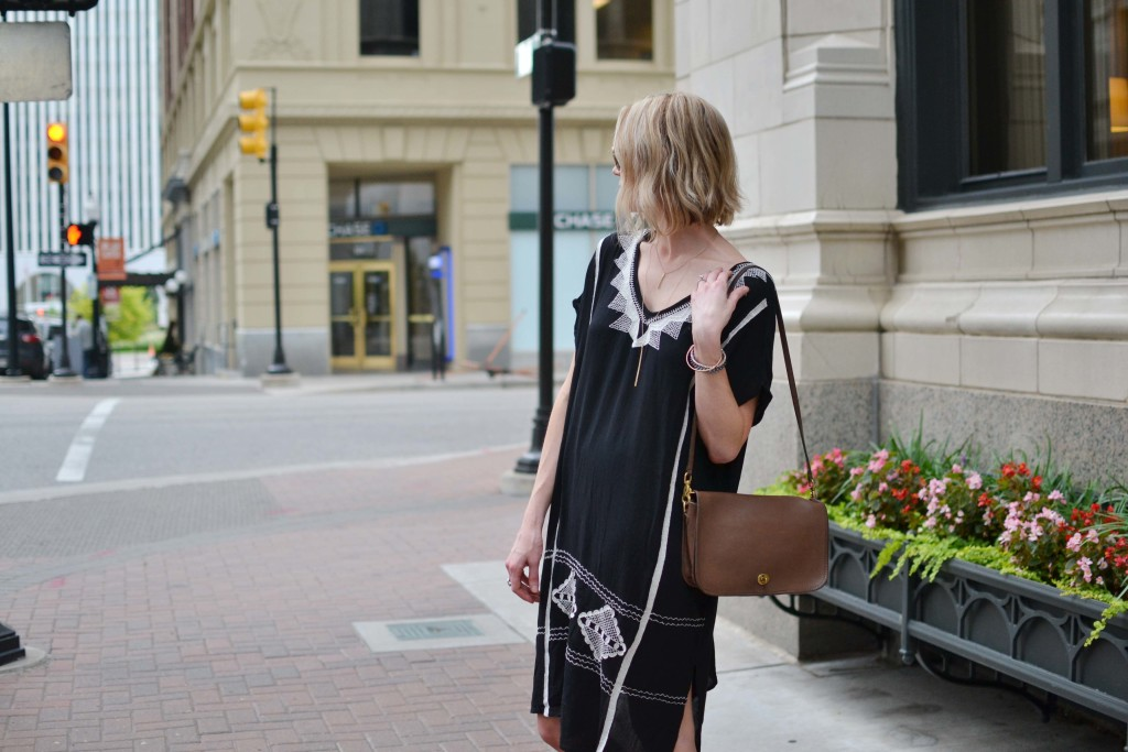 embroidered caftan dress, gladiator sandals, vintage coach purse