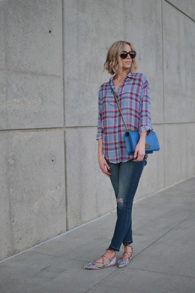 plaid shirt, jeans, blue bag, snakeskin flats
