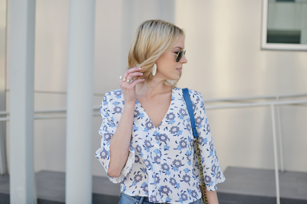 floral top, cropped flares, kendra scott jewelry