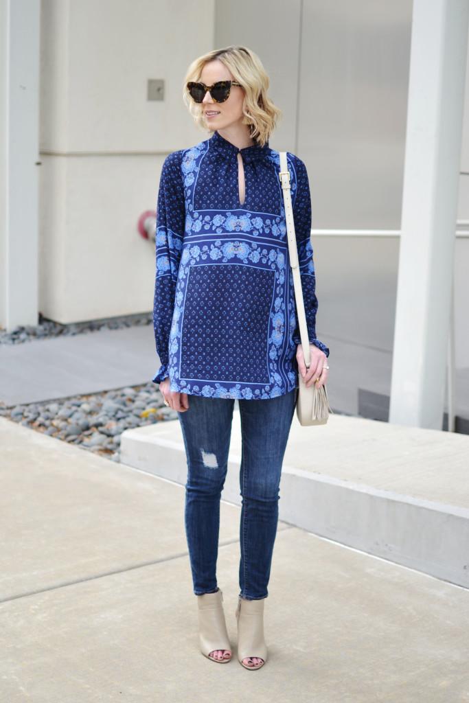 blue tunic top, distressed denim, Karen Walker starburst sunglasses, GiGi Kelly saddle bag, open toe booties, weekend wear, casual look
