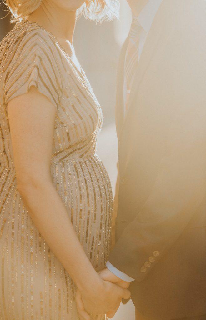 dressy maternity photos