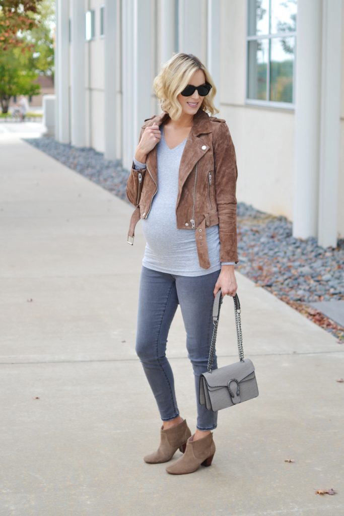 greys-grey-tee-and-jeans-tan-suede-moto