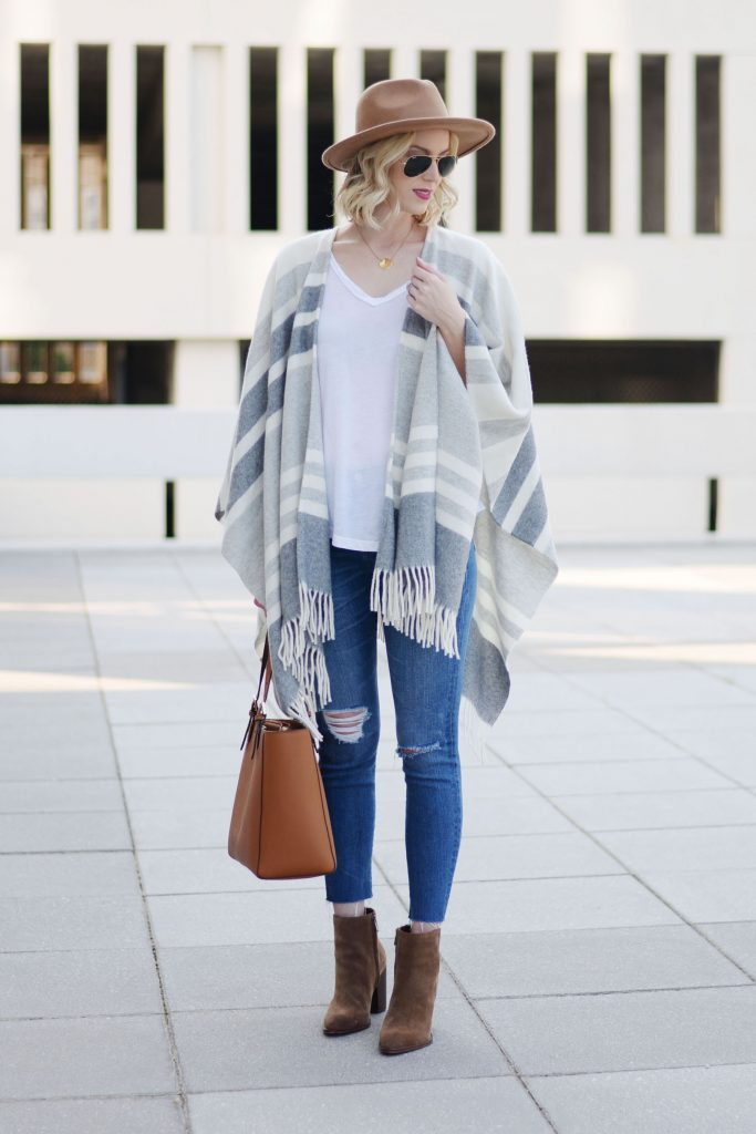 how to style a poncho with jeans