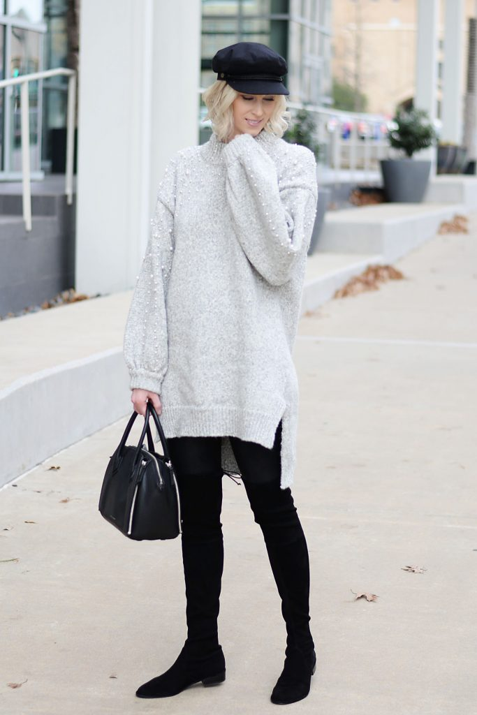 comfy holiday travel outfit