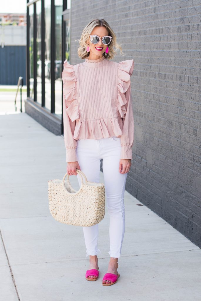 easy light colored outfit for spring