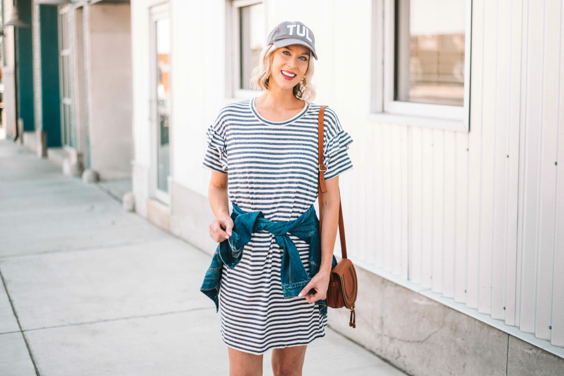 28886e9b85a291 How to Style a T-Shirt Dress Casually - Straight A Style