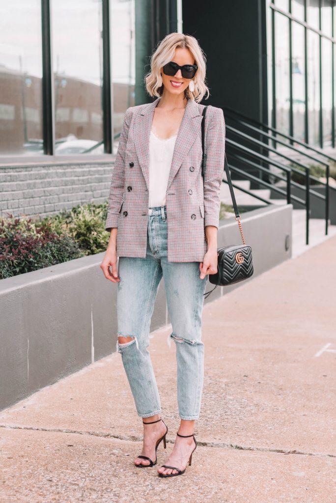 how to wear a plaid blazer #plaid #blazer #boyfriendjeans