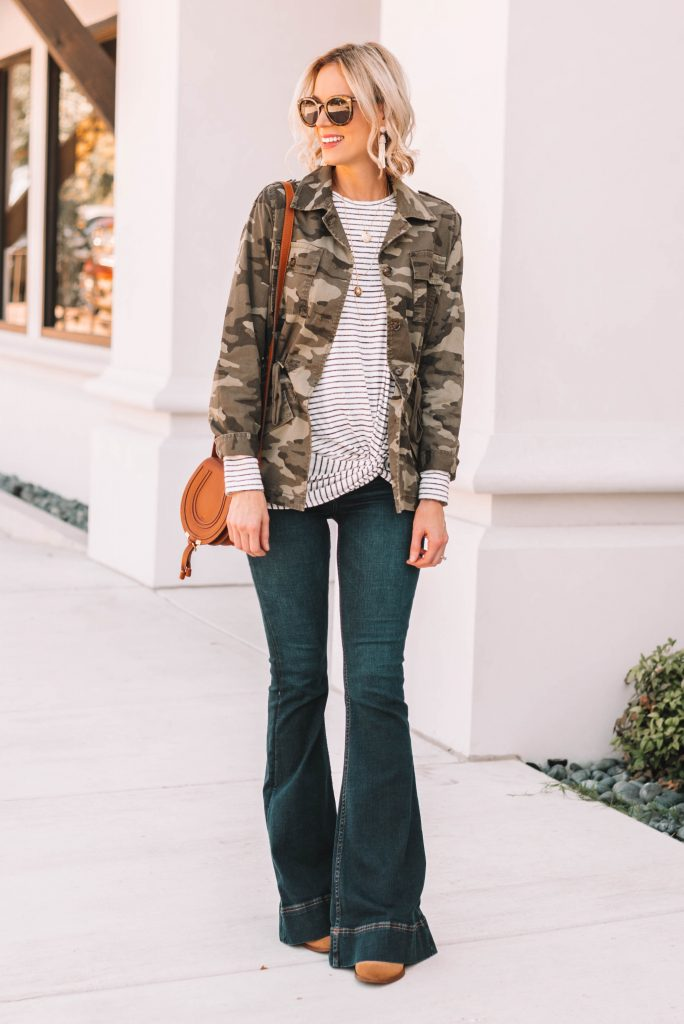 you're going to want this outfit for fall! camo utility jacket with striped t-shirt and flattering flare jeans