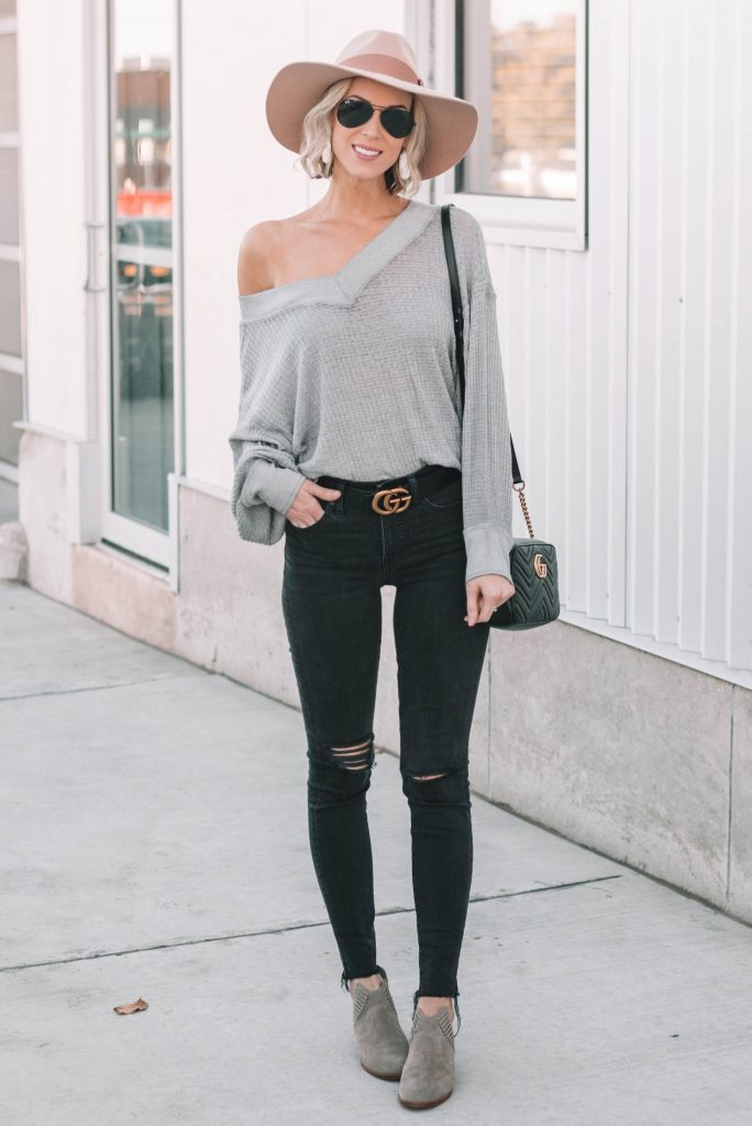 the cutest thermal top can be worn off the shoulder or on, weekend casual look