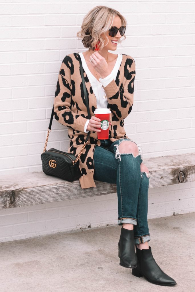 leopard cardigan, boots, jeans, casual look