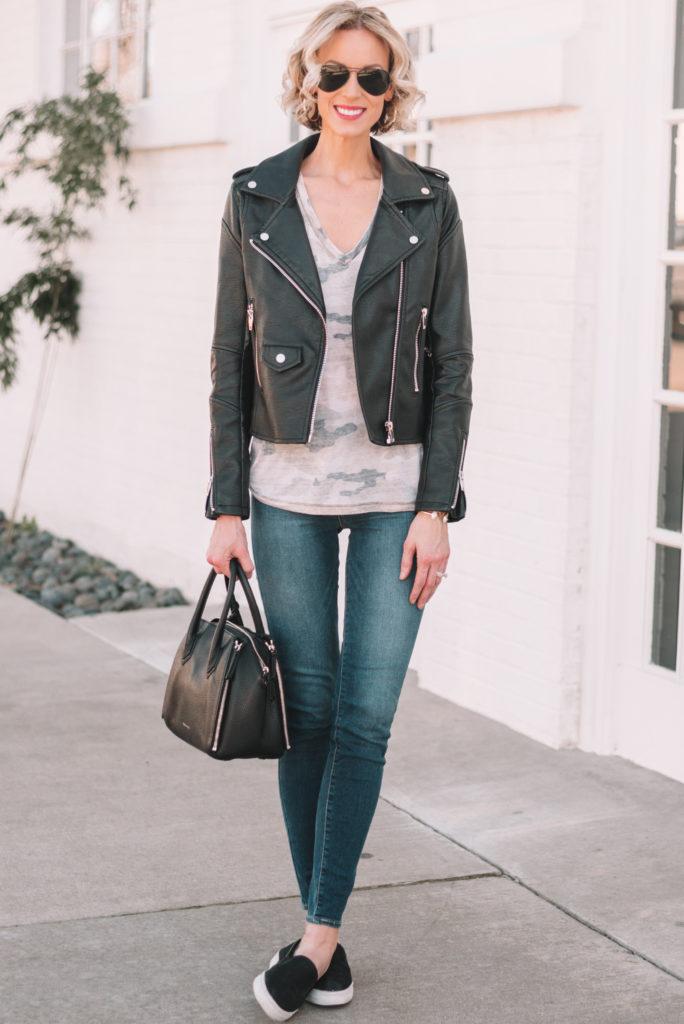 mini casual capsule wardrobe basics to mix and match, camo t-shirt, skinny jeans, leather jacket