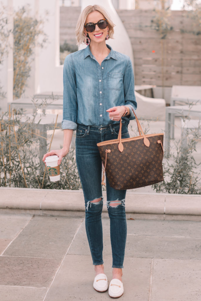 mini casual capsule wardrobe, 13 pieces, 10 outfits - double denim, skinny jeans with chambray shirt