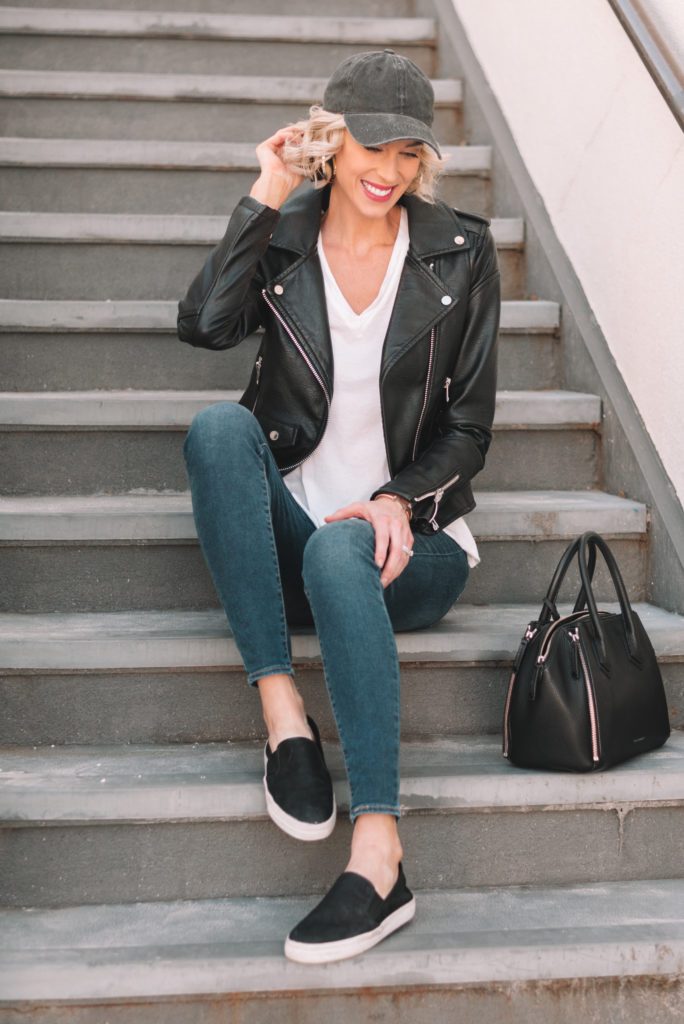 closet basics done right, how to style your closet multiple ways, how to mix and match your wardrobe, mini casual capsule wardrobe