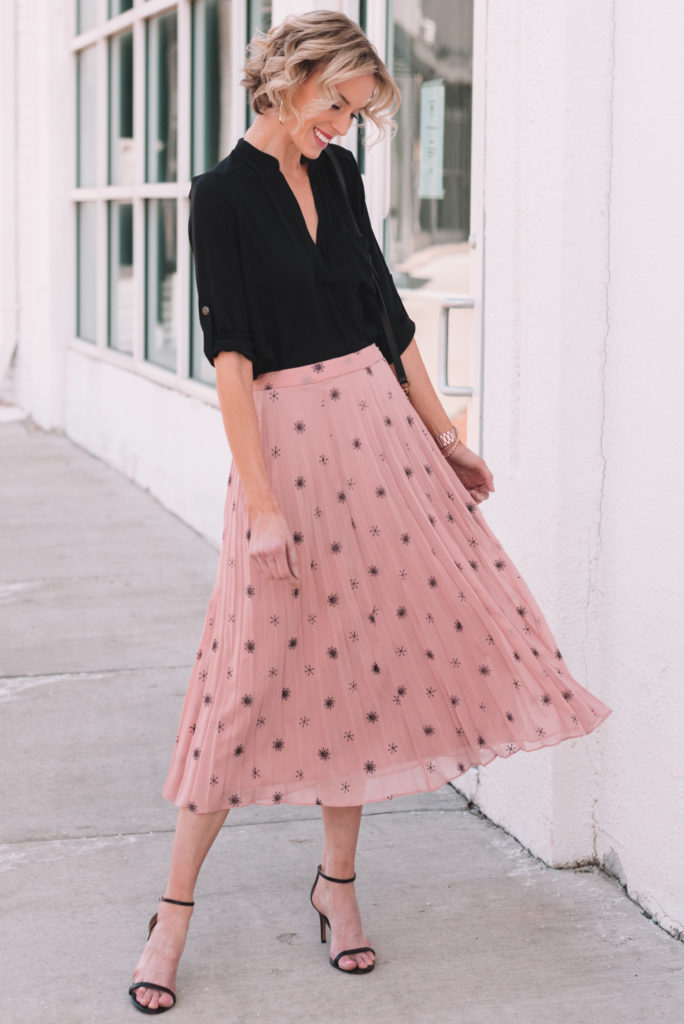 how to wear a midi skirt for spring