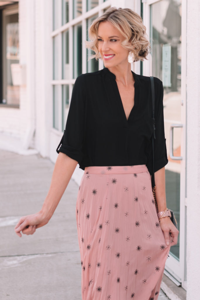 dressy work outfit for spring, blonde bob, curly blonde bob