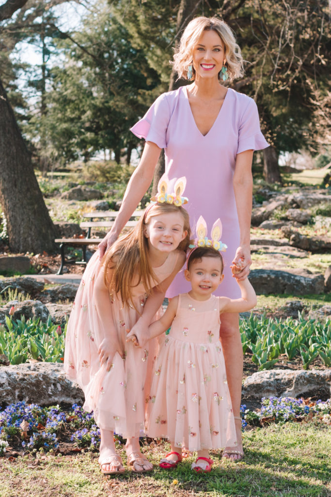 Easter outfit ideas for the whole family, girls matching dresses for Easter