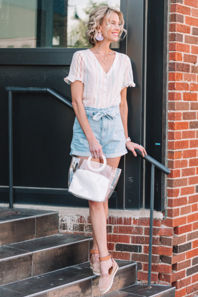 how to wear paperbag waist shorts, denim paperbag shorts, cute summer shorts outfit