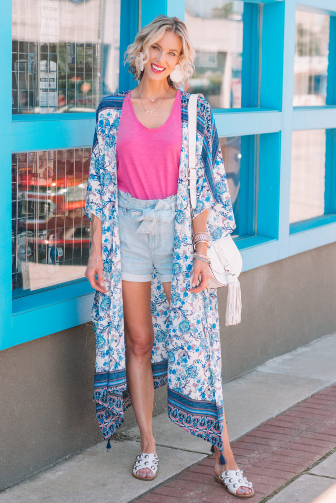 how to wear a kimono with shorts