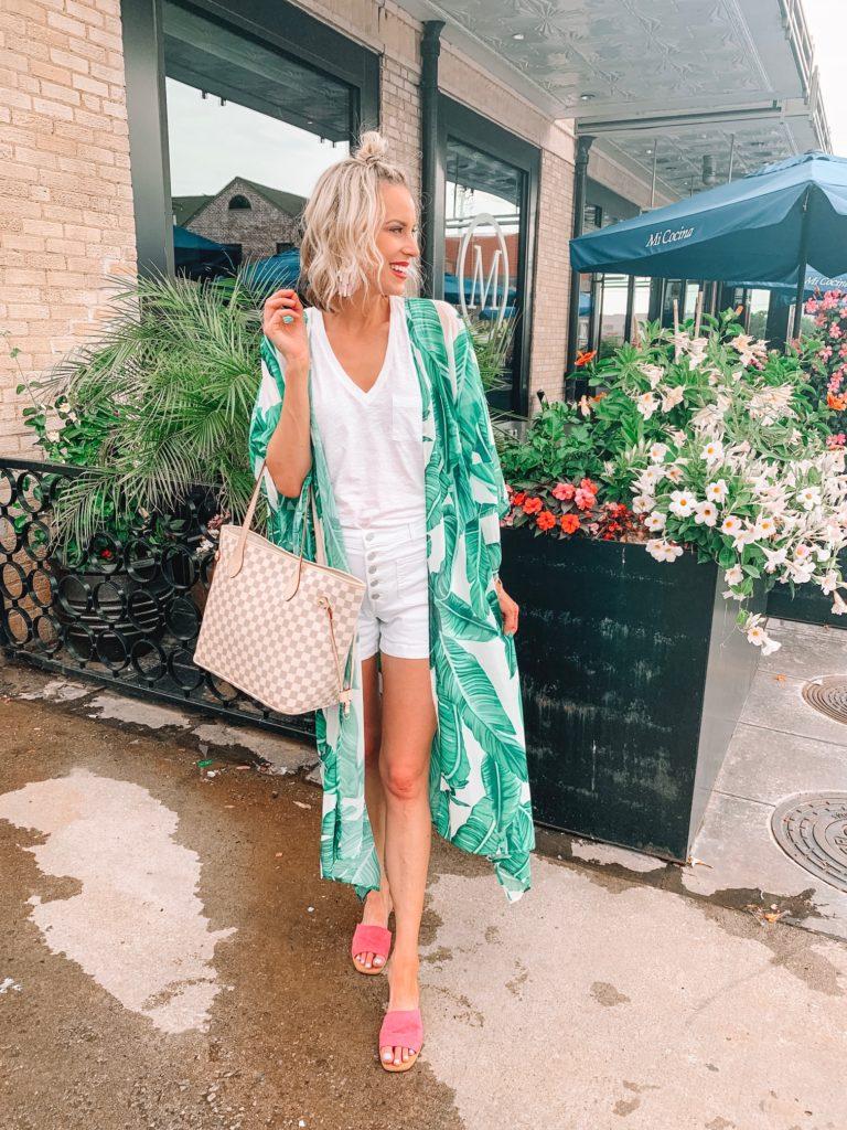 How to Wear a Kimono with Shorts, palm print kimono with monochrome white outfit