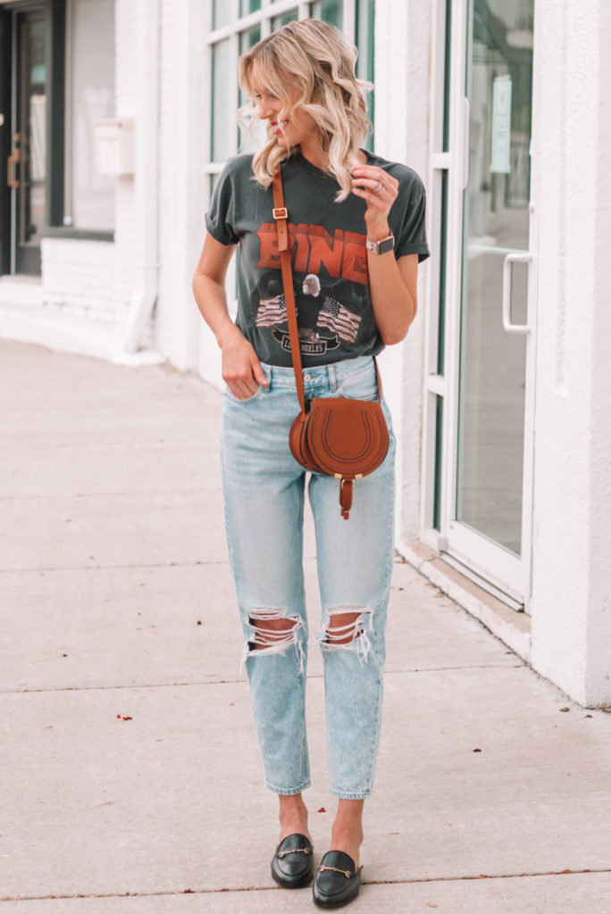 how to wear a graphic t-shirt