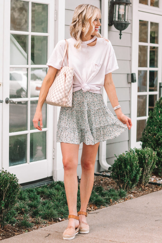 cute summer outfit, skirt and tied t-shirt