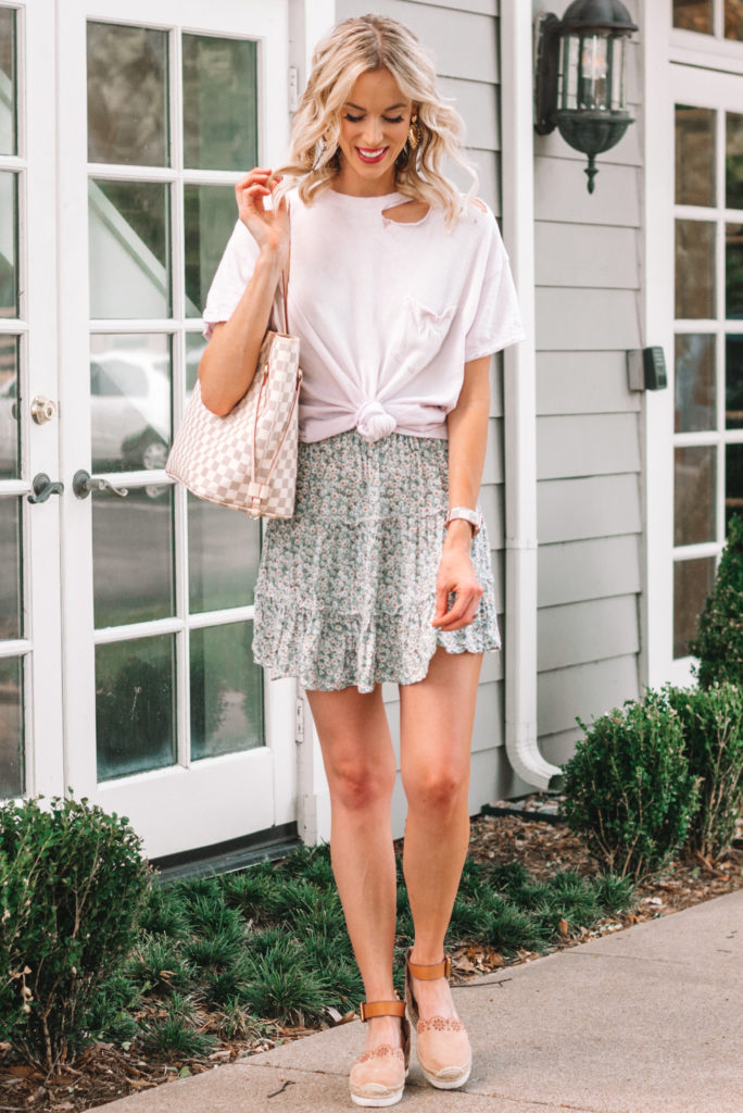 cute floral skirt worn with tied t-shirt