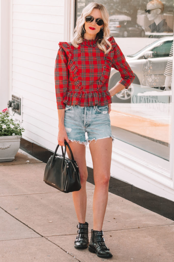 how to wear shorts and boots in the summer