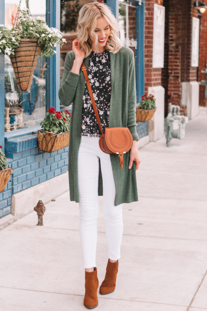 how to transition your look for fall, adding layers for fall, fall white jeans outfit