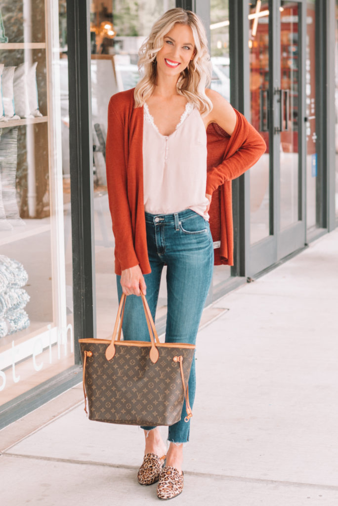 how to wear leopard shoes, leopard shoe outfits, leopard mules, fall outfit