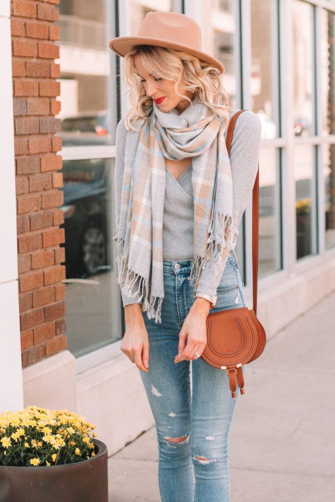 gorgeous fall colors, neutral fall outfit, fall accessories