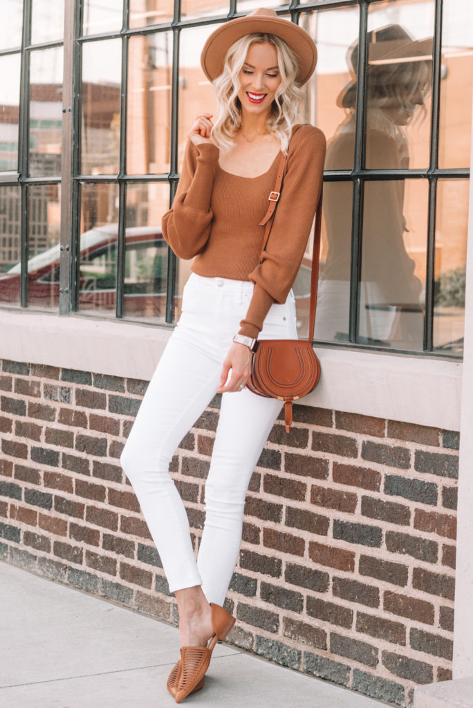 4 Ways to Wear White Jeans this Fall, white and cognac outfit, white jeans outfit