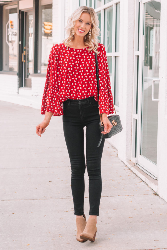 red blouse for fall with black skinny jeans