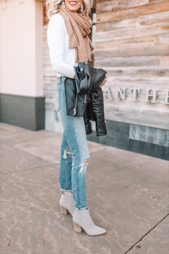 classic style, pairing ankle boots with straight leg cuffed jeans, how to cuff your jeans with boots