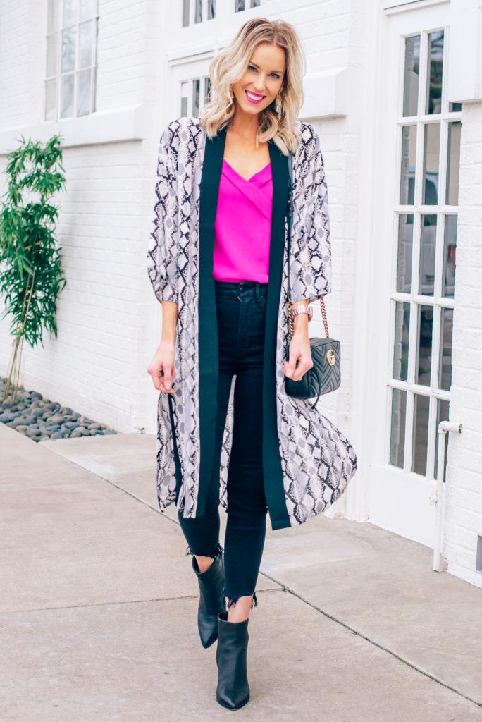 how to wear cropped jeans in winter, snakeskin kimono