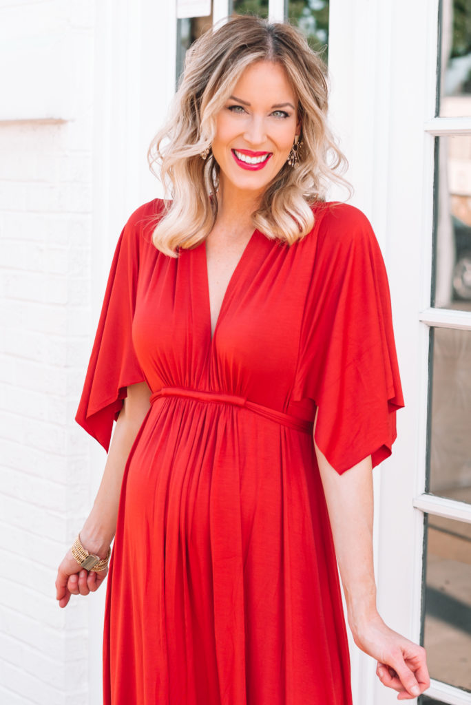 v-neck maternity dress, flattering maternity maxi dress