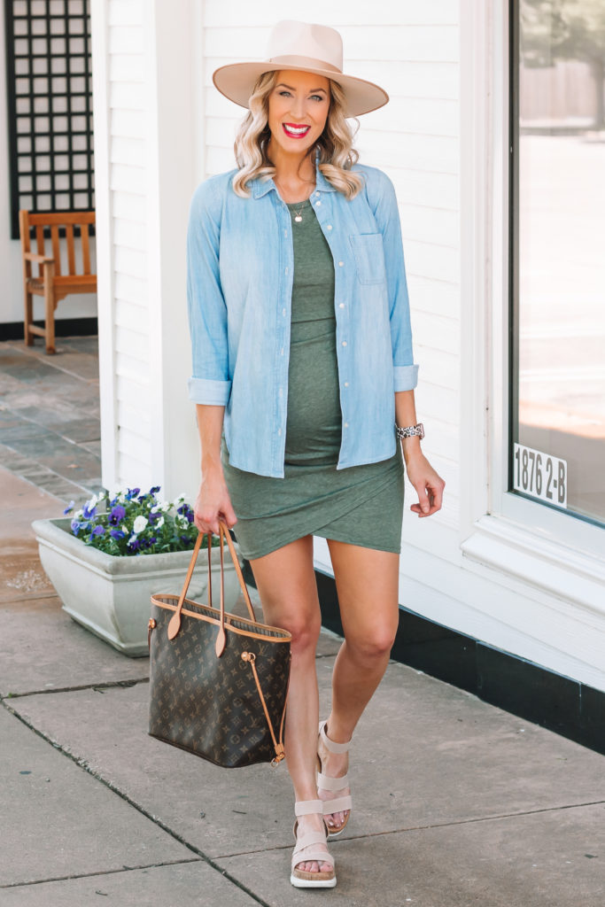 One of my favorite ways to maximize my closet is to add a chambray shirt over a dress in the spring or summer. It's a light and easy layer! Read on for more tips on how to style a chambray shirt.