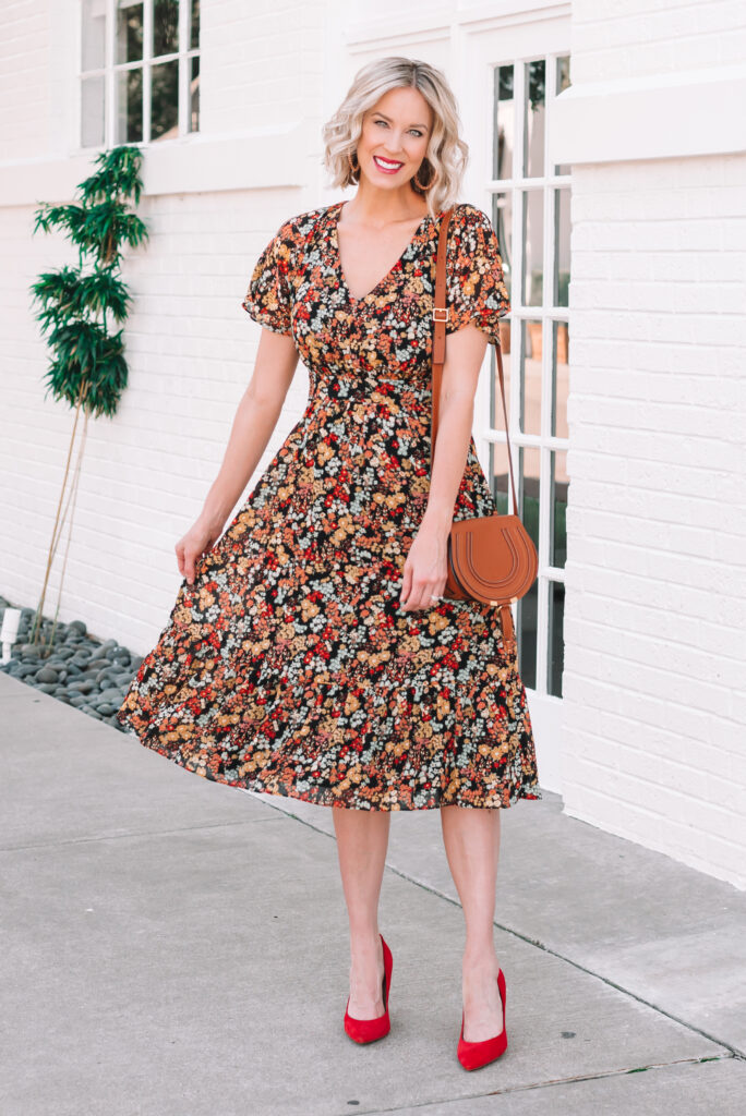 This dark floral midi dress is perfect fall family photo outfit idea! Plus I am sharing easy tips to help you plan outfits for the whole family.