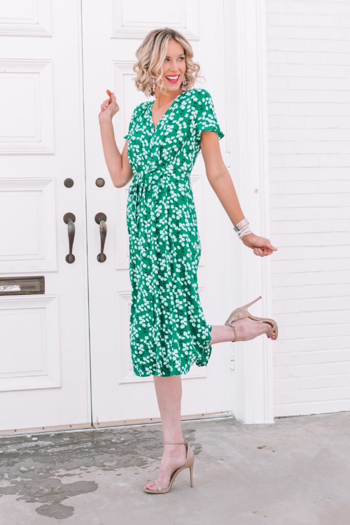 Need a dress that flatters every body type and can be worn to any event? This gorgeous green spring mid dress fits the bill!