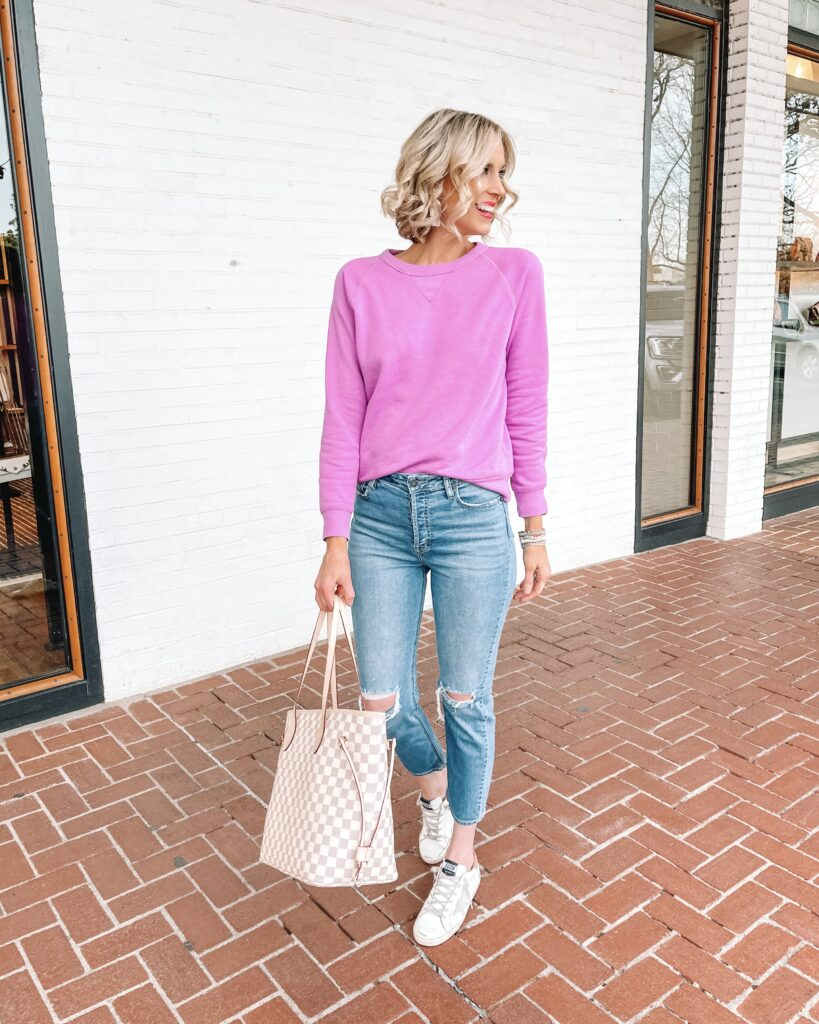 How fun is this bright sweatshirt paired with jeans for an easy and casual look?!