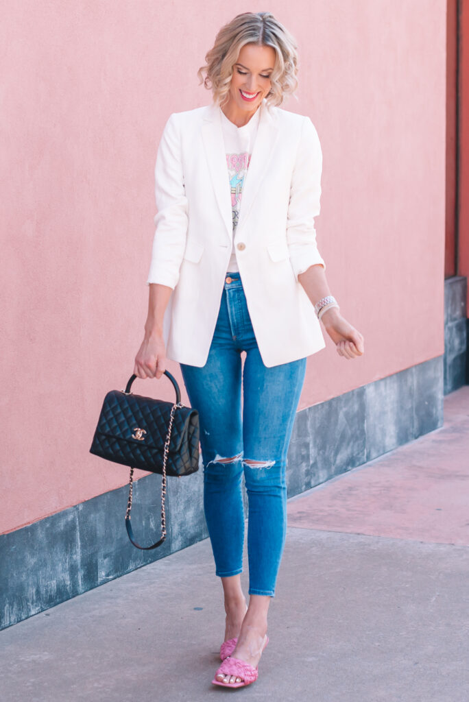 A white blazer is the perfect piece for spring to wear on a date night or girls night out! Click to read more about how to wear a white blazer.