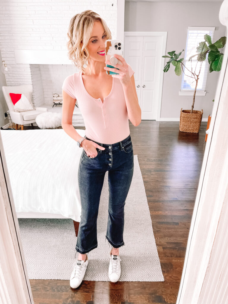 Looking for the best straight leg and crop flare jeans? Look no further! Click for a full review of the best pairs on the market!