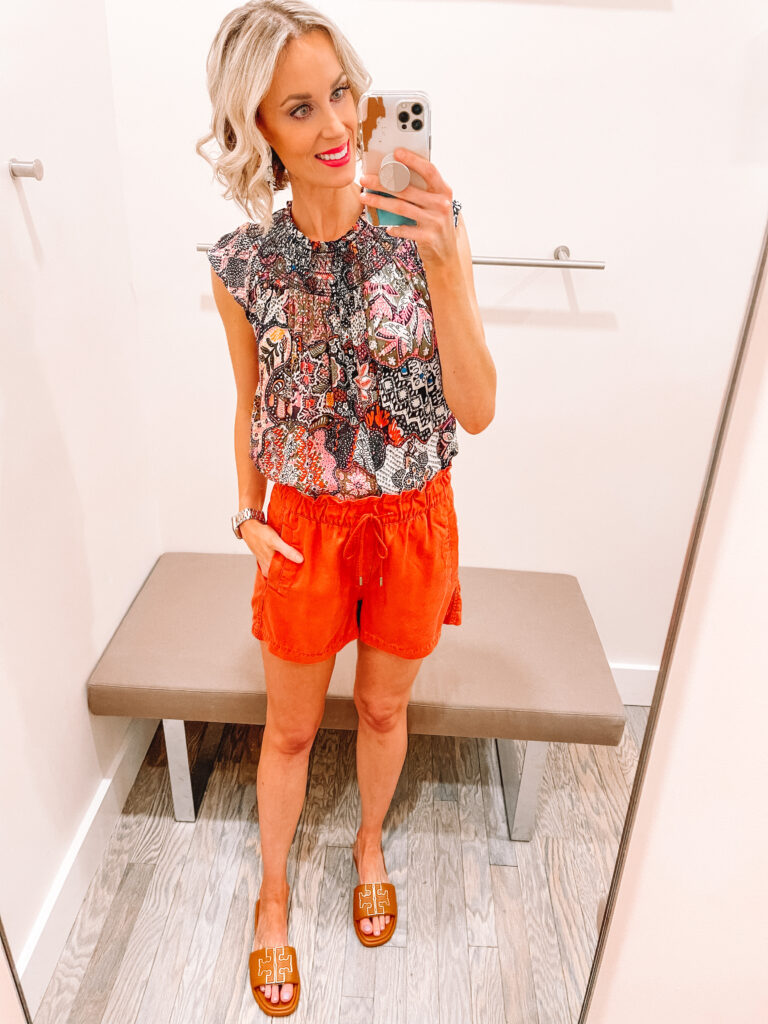 These pull on shorts are so cute and comfy for spring and summer! Click to see more from my LOFT Spring and Summer Try On.