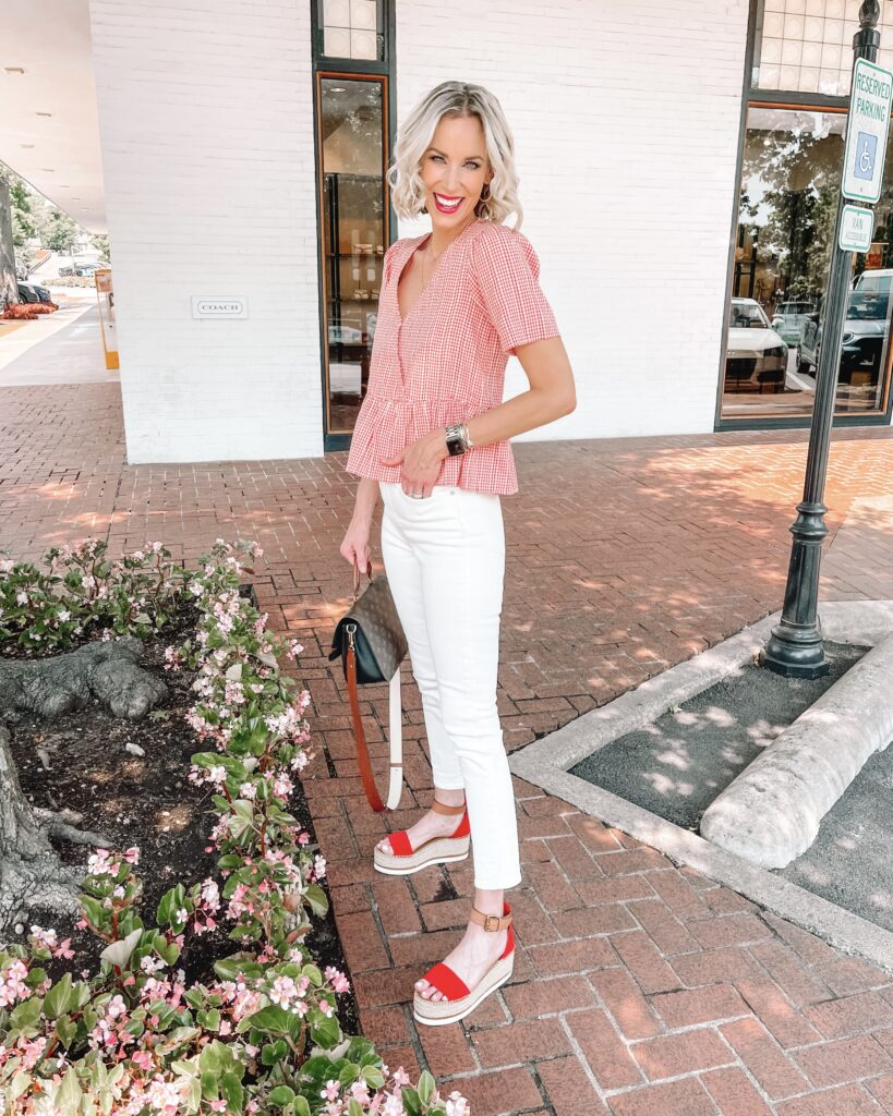 Looking for the best white jeans? I'm sharing my favorites in all types including these amazing straight leg white jeans!