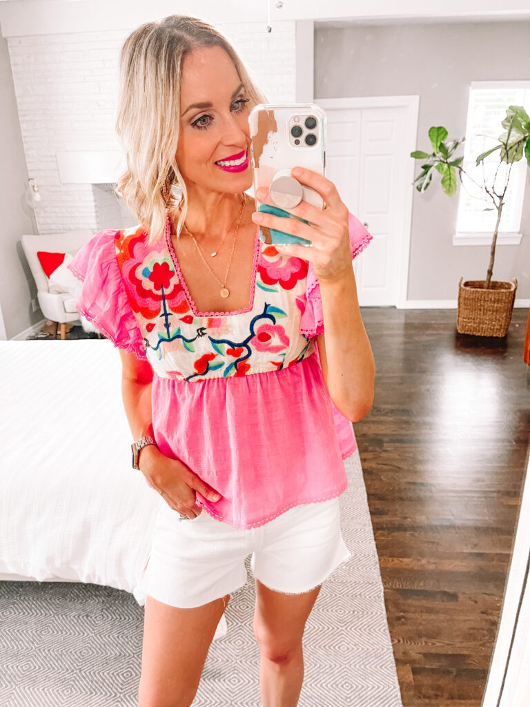 I love my white jean shorts with a colored top!