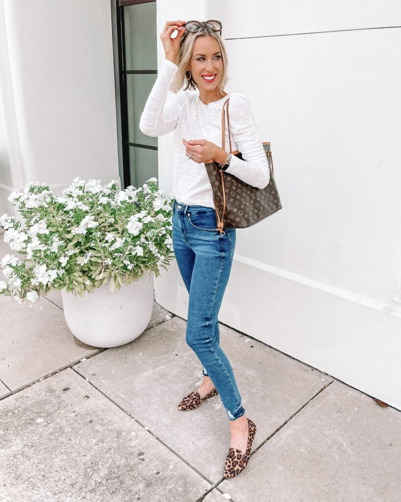 I love this elevated white t-shirt to style for now and later! It's so easy to wear but the sleeves add a little extra something!
